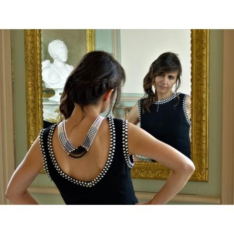 Sautoir en perles fines noires et blanches