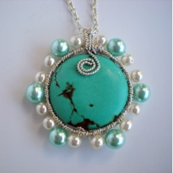 "Collier en wire wrapping et sa perle semi précieuse ""turquoise"""