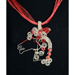 """Collier en wire wrapping et perles """"cheval"""""""