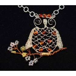 Collier en wire wrapping «hibou»