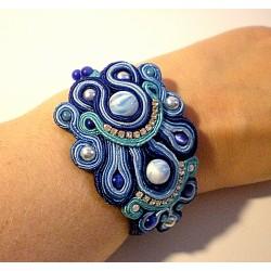 Bracelet en soutache et perles
