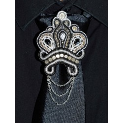 Broche de cravate en soutache