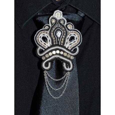 Broche de cravate en soutache