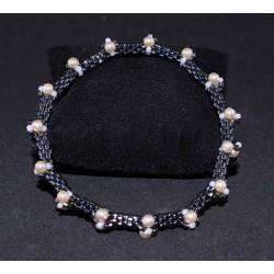 Bracelet en peyote, perles noires et blanches