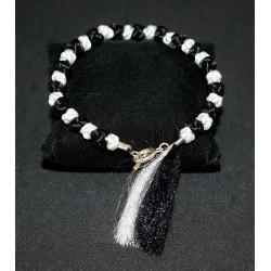 Bracelet en noeuds  chinois boules et pompon