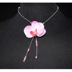 Collier en wire wrapping et orchidée rose