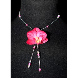 Collier en wire wrapping et orchidée fushia